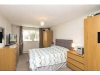 Short term - HUGE ensuite double - Near MOD, Airbus, Parkway Station