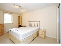 Two double room conveniently centrally located on High Street