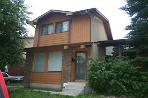 3 bedroom duplex in Whitehorn area, NE