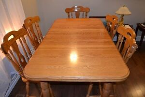 Solid Oak Kitchen Table, Chairs and Hutch Set