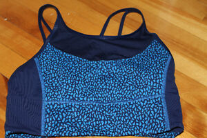 lululemon blue sports bra size 8 bra (new without tag) $25 OBO