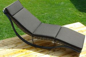 Chaise pour la piscine terrasse et jardin dans saguenay for Club piscine jonquiere