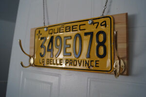 Clothes hanger with old QC car plate. Hand made! Gatineau Ottawa / Gatineau Area image 2