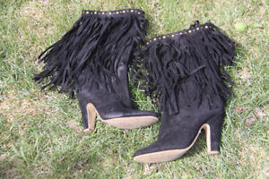 LIKE NEW!  Aldo suede fringed boot