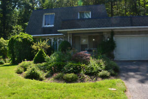 Four Bedroom House for Rent in South St. Catharines