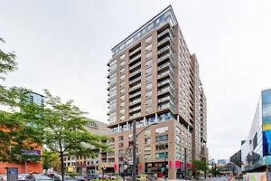 2 1/2 apartment, downtown, great amenities, available now 1185$