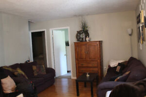 2 Bedroom Apartment Available November 1