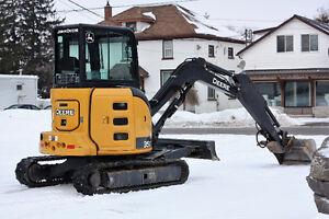 Excavator - Deere 35G
