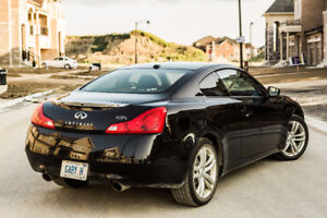 2010 Infiniti G37x Coupe AWD with GPS, rear camera, sunroof