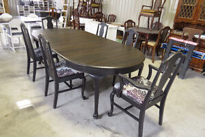 Queen Anne Table with Six Chairs