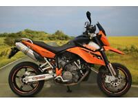 KTM 990 Supermoto 2009 ** SERVICE HISTORY, LEO VINCE CANS, FLY SCREEN **