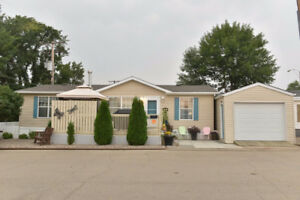 2 E Avenue NE, Moose Jaw