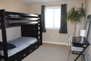 Sept 1 - Oct 31: Furnished, All Incl. Bedroom (Female Only)