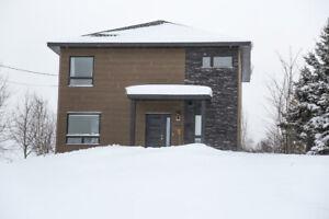 Superbe maison à louer à Matane construction 2012 avec 1/2 lot