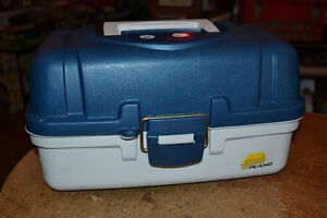 """SMALL CLEAN """"PLANO"""" FISHING TACKLE BOX ~ USED 1X!!!"""