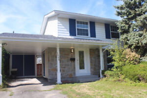 Renovated Nepean hwy417 2 storey 4 bedroom single family+Sauna!