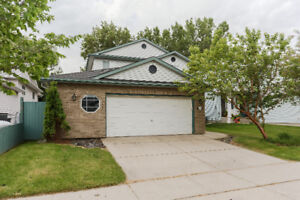 Lovely, Spacious, Contemporary 4 Bdrm House in Beaumont
