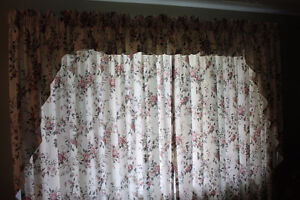 Floral Bay Window Curtains