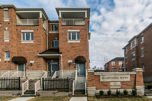 Beautiful End Unit Townhouse in Heart Of Richmond Hill