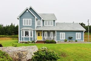 Family home with ocean views on 2 acres 25 mins to city!