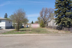 352 Angus St - Lot for Sale Suitable for Multi-family dwelling!