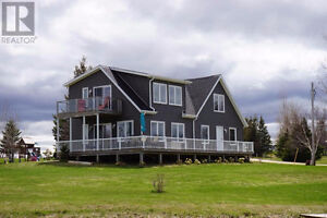 Gorgeous year round or summer beach home in Anglo Rustico