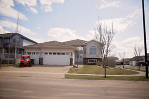 Camrose 5 BDRM House for Rent or Sale