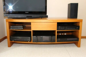 4 PIECE LIVING ROOM SET SOLID WOOD $1000