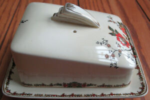Vintage 1936 WEDGWOOD TRENTHAM Covered Cheese Butter Dish