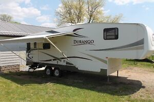 Immaculate Stored Indoor KZ Durango 285 Only 8000 lbs.