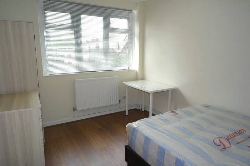 4 NEW DOUBLE ROOMS IN LIVERPOOL STREET/HOXTON MOVE IN NOW!!!