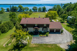 3.56 Acre 5 Bedroom Estate off Lake Couchiching