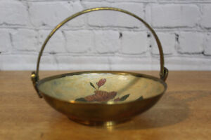 Brass bowl with Flower
