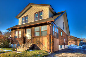 HOUSE 4 RENT - 3 Bedroom 1.5 Bath & Garage in Central Location