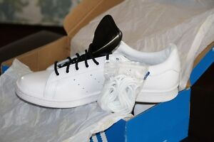 Brand New Never Worn STAN SMITH white on white with black tongue