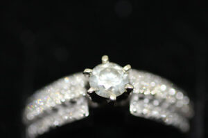 1 ct DIAMOND ENGAGEMENT RING, 12 CT CENTER