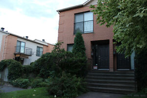 $1200 - Town house in (Ste-Dorothee) Laval
