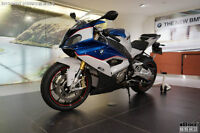 looking for bmw s1000rr