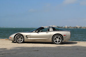 2000 Chevrolet Corvette Coupe (2 door)