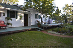 Great Location Kawartha Lakes Peterborough Area image 2