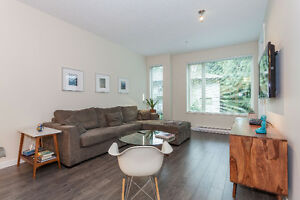 Gorgeous, like new 2Bed/2Bath condo in Lynn Valley