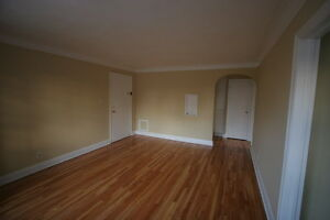 Old South Charm 1 Bed w/Hardwood Floors & Controlled Entry