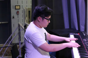 Pianist! Good reviews and talented!