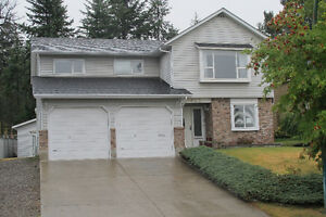 4 Bedroom home in Aberdeen with in ground pool