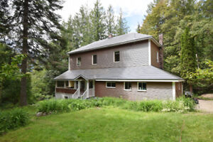 Family Home on Private lot near Nelson