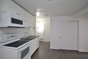 Modern Student ROOMS, Large Beds, FREE Wifi, Parking, Dec15/Jan1