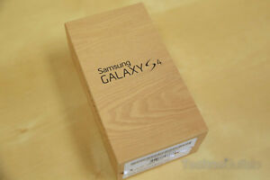 Unlocked Samsung Galaxy S4, 16gb, black/white, in box with all a
