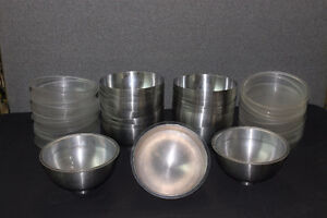 Hot/cold serving bowl with insert. Moose Jaw Regina Area image 2
