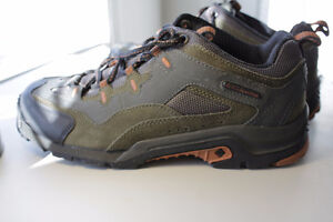Columbia Size 9 Shoes New