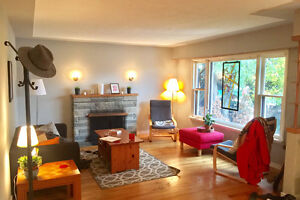 $578 Avail Jan1! Bright Spacious Room AMAZING house Month to Mon